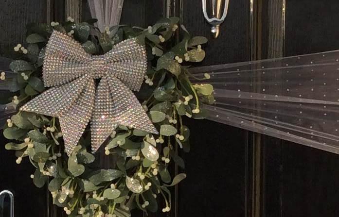 Beautiful Elegant Door Bows in Essex For Christmas