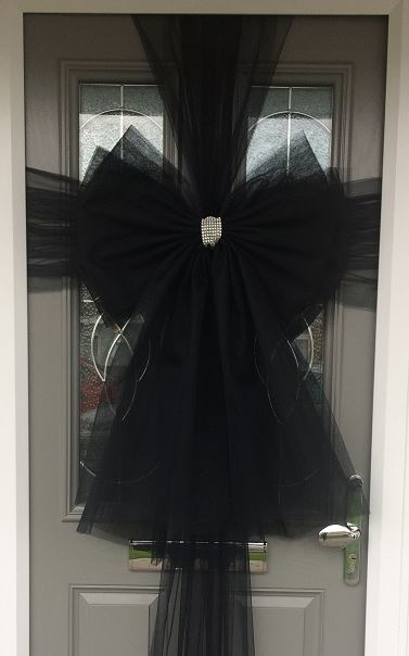 Black Deluxe Door Bow Decoration Kit