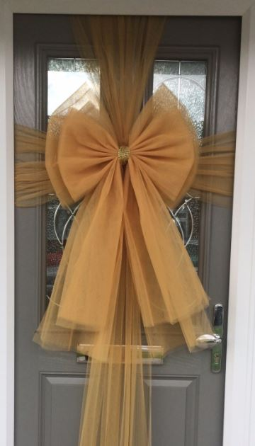 Gold Deluxe Door Bow Decoration Kit