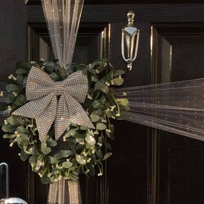 Mistletoe Wreath with Diamante Bow Decoration Kit