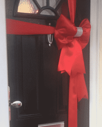 Red Diamanate centre padded door bow
